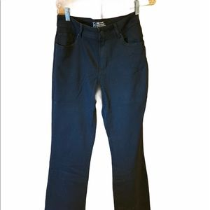 No Boundaries Mid-Rise Bootcut Jeans 13